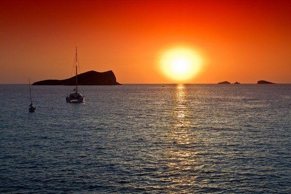 cala conta puesta de sol