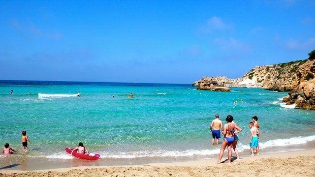 playa cala tarida ibiza