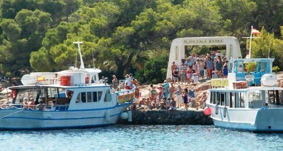 ferry cala bassa