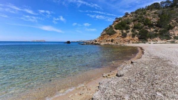 cala-moli-ibiza-playa-agua