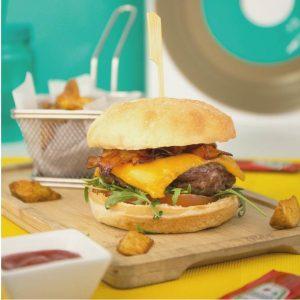 Dorado Ibiza Sandbeds burger