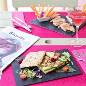Sandwich aguacate y nueces Tropicana Ibiza Sandbeds